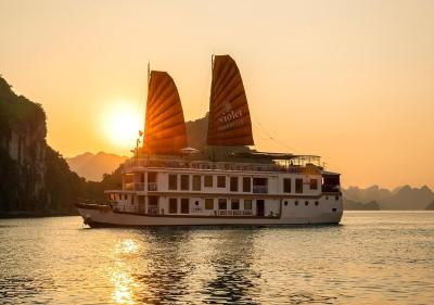 Heritage Line - Violet Cruise