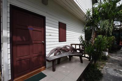 Phi Phi Twin Palms Bungalow - Laterooms