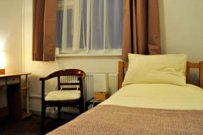 High Noon Guest House - Laterooms