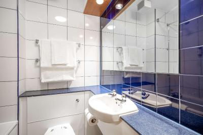 Comfort Inn Manchester North - Laterooms