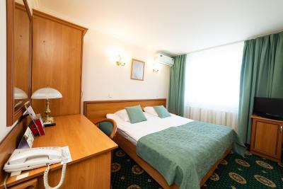 https://q-cf.bstatic.com/images/hotel/max400/226/226851010.jpg