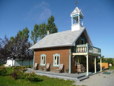 老钟楼小木屋 (加拿大