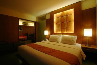 皇冠丽晶海滩度假酒店 (菲律宾 长滩岛) - booking.
