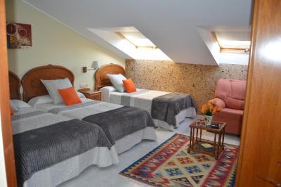 Hotel Neptuno, Villaviciosa, Spain - Booking.com