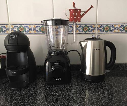 Coffee and tea-making facilities at Casa Lima
