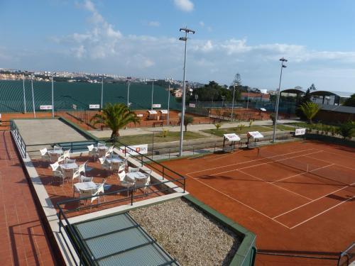 Tennis and/or squash facilities at Estoril Premium Villa or nearby