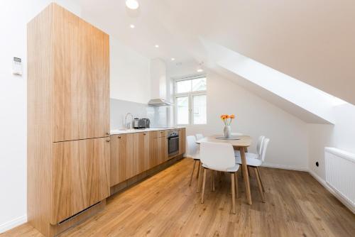 Virtuvė arba virtuvėlė apgyvendinimo įstaigoje Tallinn Apartment Hotel
