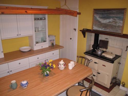 A kitchen or kitchenette at Glashven