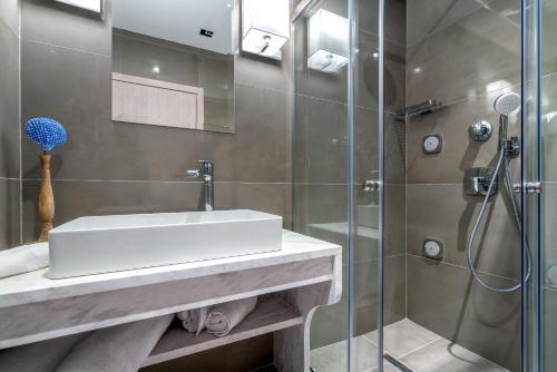 A bathroom at Tambouros Boutique Villas