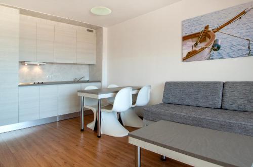 A seating area at Apartamentos Sol y Vera