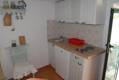 Küche/Küchenzeile in der Unterkunft Apartments Ivica Mateljak