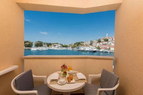 A balcony or terrace at Apartments Riva