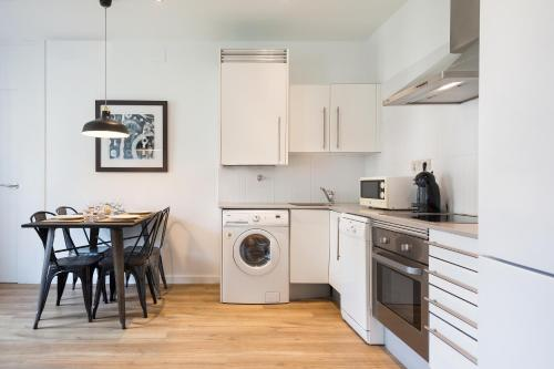 A kitchen or kitchenette at Amister Apartments