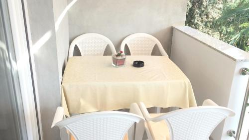 A balcony or terrace at Apartment Gaga