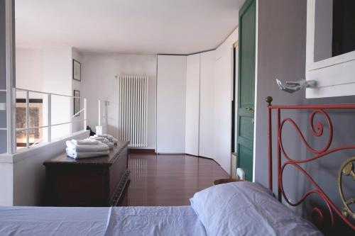 A bed or beds in a room at La casa di Michele