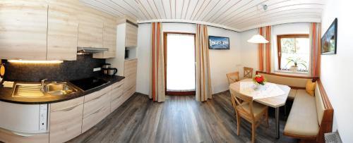 Appartements Auernigg廚房或簡易廚房