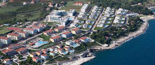 Ptičja perspektiva nastanitve Skiper Apartments & Golf Resort