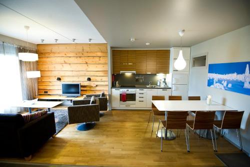 Een keuken of kitchenette bij Levi Suites Levin Klubi