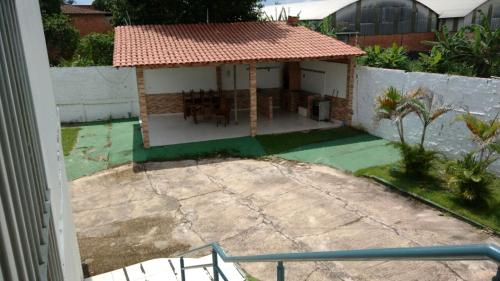 A view of the pool at Residencial Dom Fernando or nearby