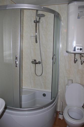 A bathroom at Guest house Aru-Kiol'