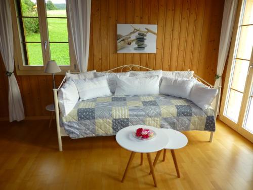 Ein Sitzbereich in der Unterkunft Rösis B&B
