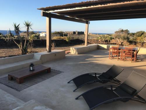 Uma varanda ou terraço em Il Dammusino di Pantelleria