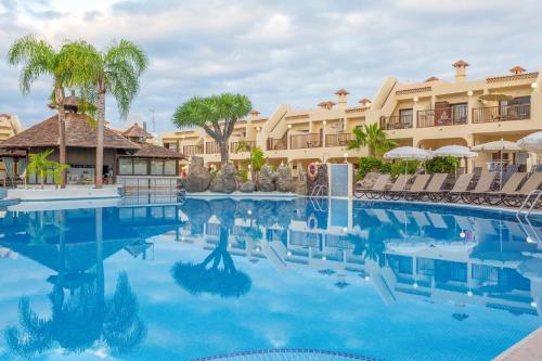 A piscina em ou perto de Royal Sunset Beach Club By Diamond Resorts