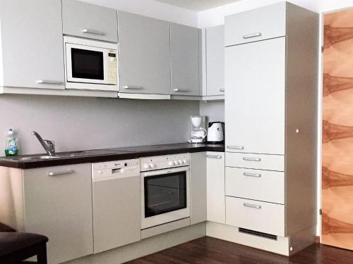 A kitchen or kitchenette at Ischgl Appartement Linda