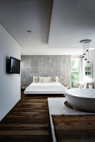 A bathroom at Be Playa