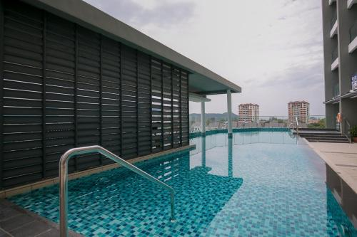 The swimming pool at or close to 98 Studio Suite, Holiday Home