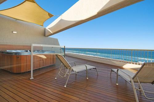 A balcony or terrace at Costa Nova Holiday Apartments