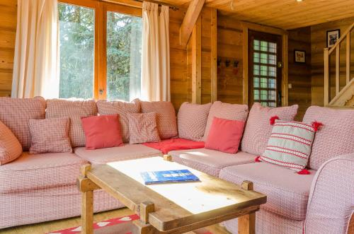A seating area at Chalet le Raccard - 1066