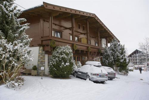 "Haus Friederike - ""Apartment KaiserTor"" during the winter"