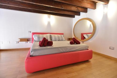 A bed or beds in a room at IzzHome Full Center Grand