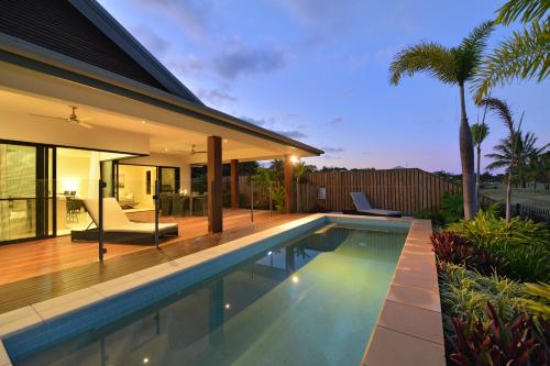 The swimming pool at or near 17 Cascade House - Luxury Holiday Home