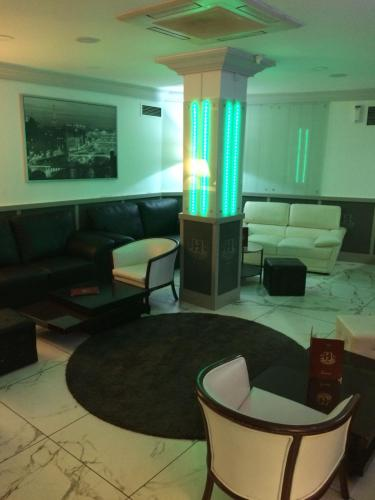The lounge or bar area at Hotel Excelsior