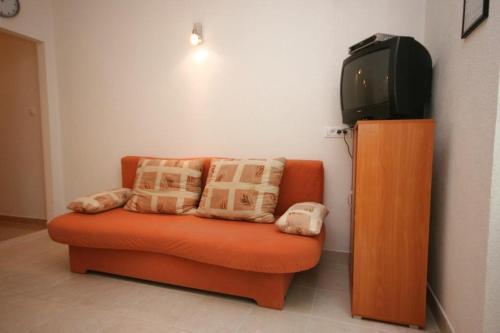 Ein Sitzbereich in der Unterkunft Apartment Zivogosce - Mala Duba 6837b