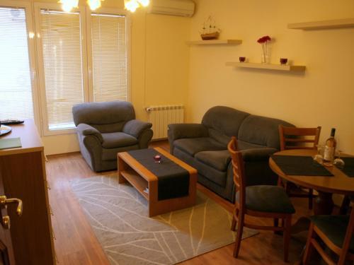 A seating area at Kudos Bulgaria Apartments