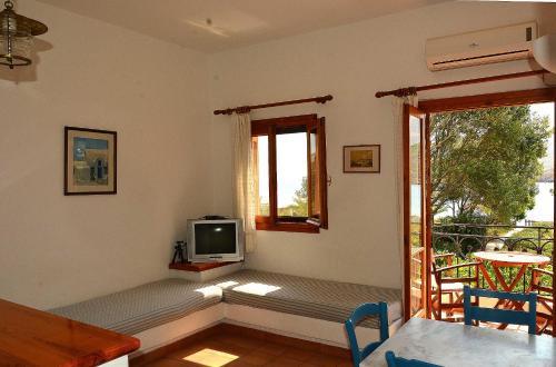 TV o dispositivi per l'intrattenimento presso Mealos Apartments