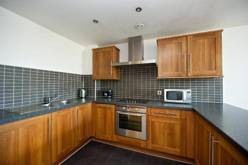 Küche/Küchenzeile in der Unterkunft Staycity Aparthotels Duke Street