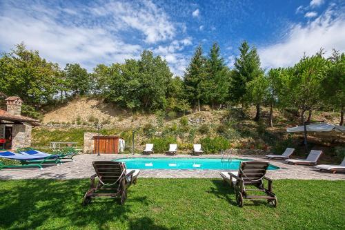 Bazén v ubytování Villa localita Gello di Antria nebo v jeho okolí