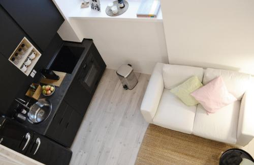 A seating area at Cozy Design Apartment