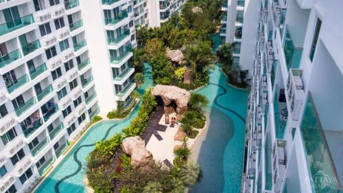 A view of the pool at Amazon Residence & Water Park Pattaya or nearby