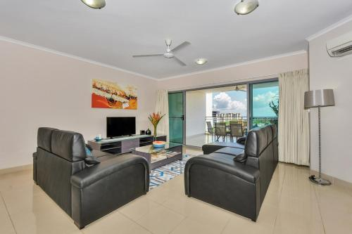 A seating area at Argus Apartments Darwin