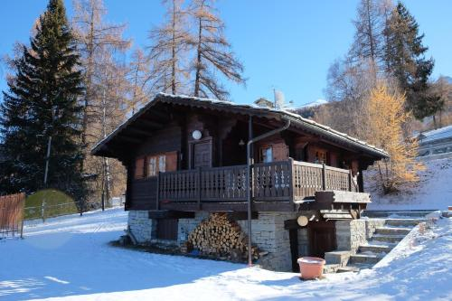 Rosso 38 Chalet during the winter