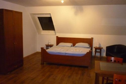 A bed or beds in a room at Apartment Alban