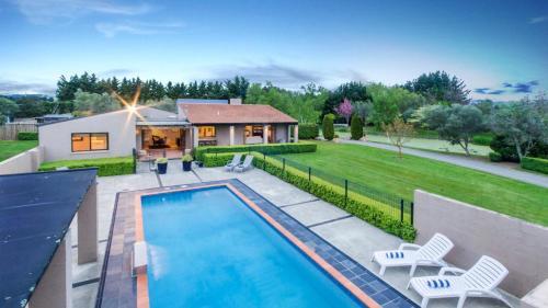 منظر المسبح في Tora Bay Exclusive Estate او بالجوار