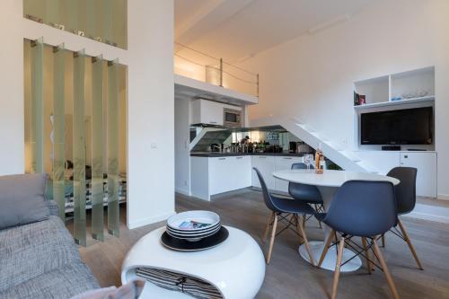 Nhà bếp/bếp nhỏ tại Magnificent Loft - very central