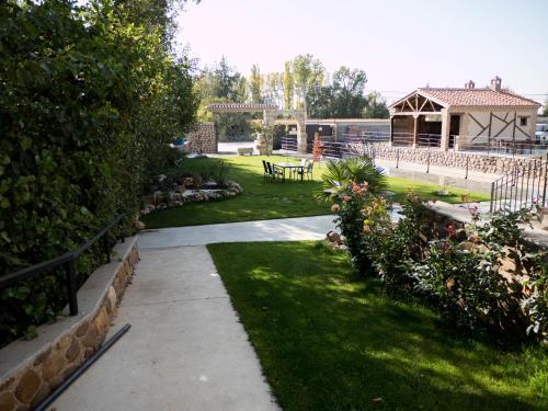 Jardín al aire libre en Apartamentos La Fabrica