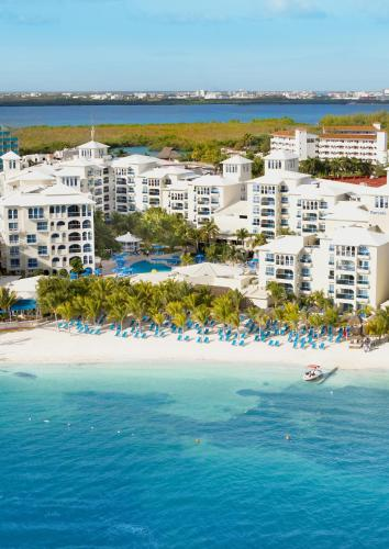 A bird's-eye view of Occidental Costa Cancún - All Inclusive